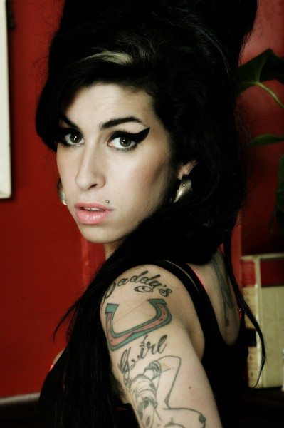Amy_firstlook_#01